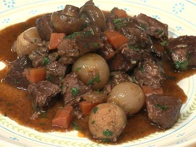 How-to-make-beef-bourguignon_Player