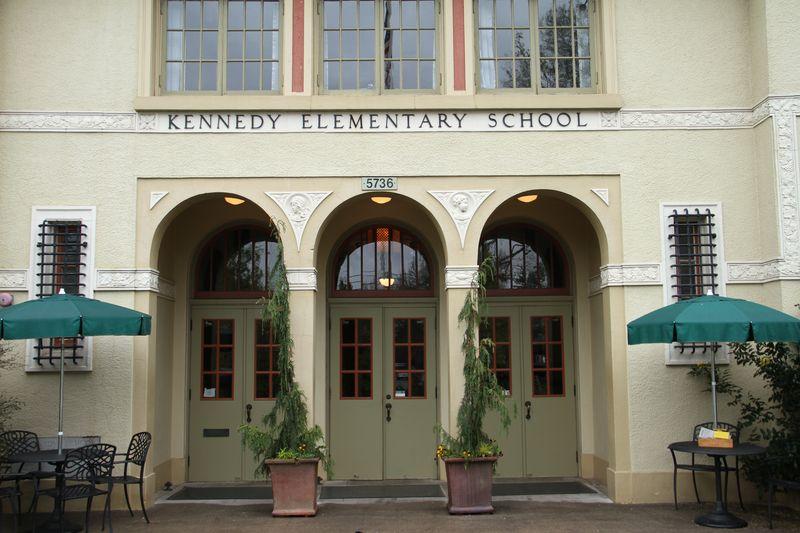 Kennedy_School_Hotel025