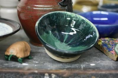 32608_pottery_by_jen