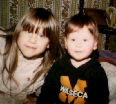 Jen_and_lyndsay_easter_1985