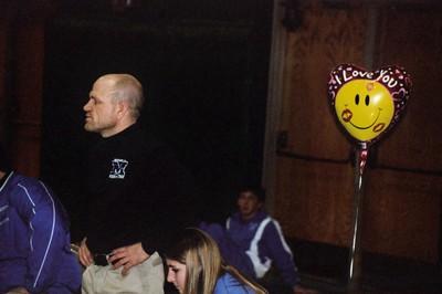 Bald_man_and_a_balloon_1